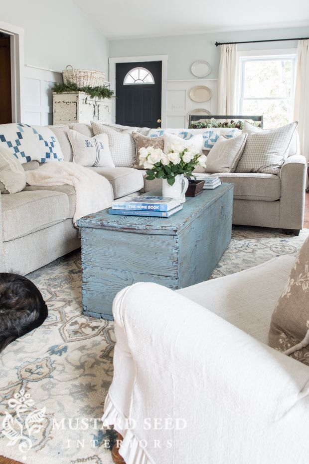 27 Comfy Farmhouse Living Room Designs To Steal: LIVING ROOM-spiration