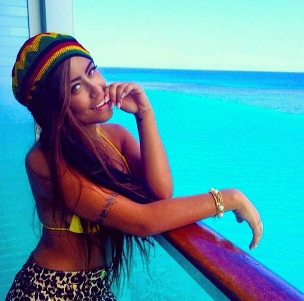 Rafaella Beckran, Neymar's sister, is probably the most gorgeous woman ever
