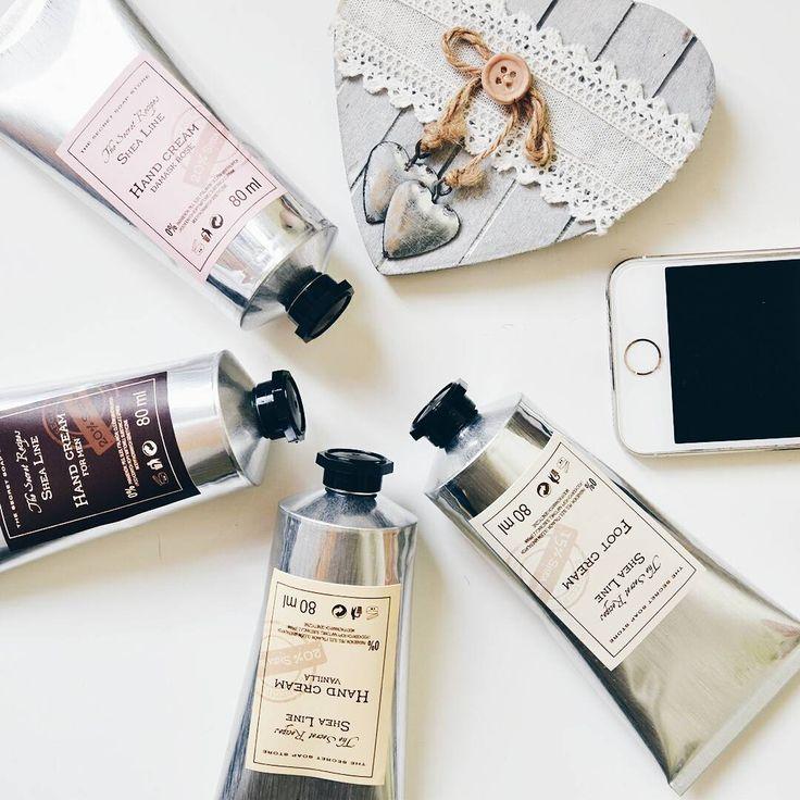 Dzień dobry! Z którym kremem dzisiaj zaczynacie sobotę?💕 #thesecretsoapstore #natural #cosmetics #sheabutter #handcream #naturalne #kosmetyki #polishbrand #store #minimal #whitetheme #instacosmetics #vsco https://secret-soap.com/kremy-do-rak-244