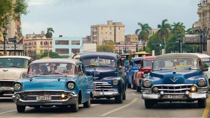 5 razones por las que no deberías visitar Cuba #cuba #cubatravel #razones… http://www.cubanos.guru/5-razones-las-no-deberias-visitar-cuba/