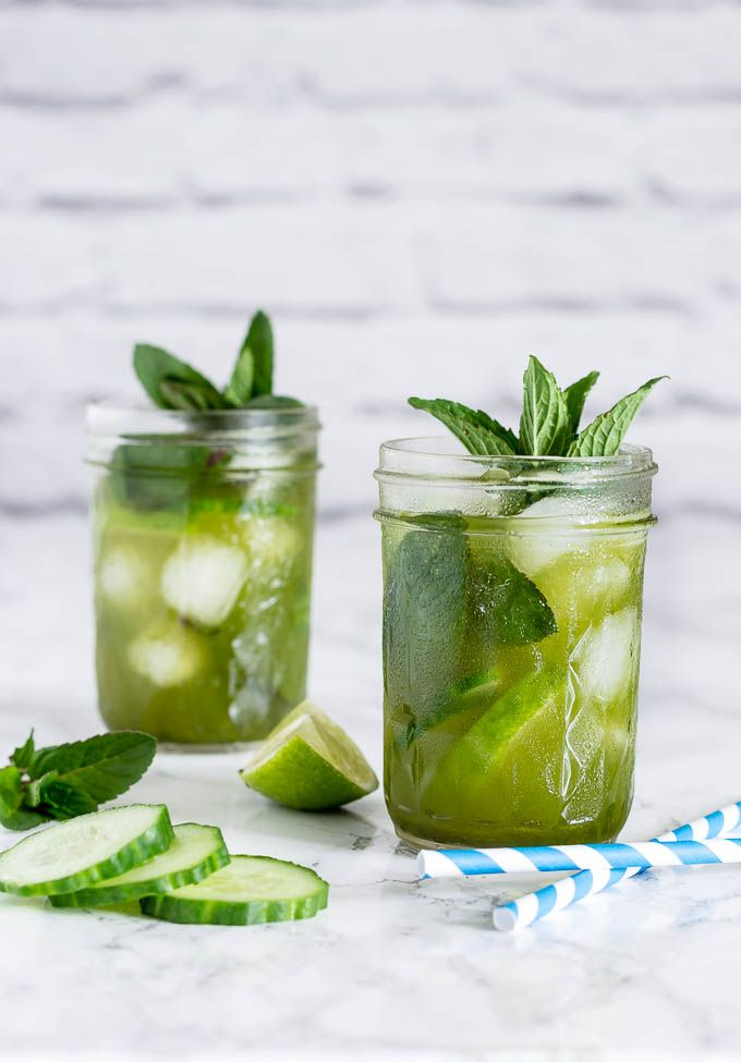 *Cucumber Matcha Cocktail * Take some caffeine, add some alcohol and you end up with the perfect afternoon pick me up cocktail right. AKA a cucumber matcha cocktail.