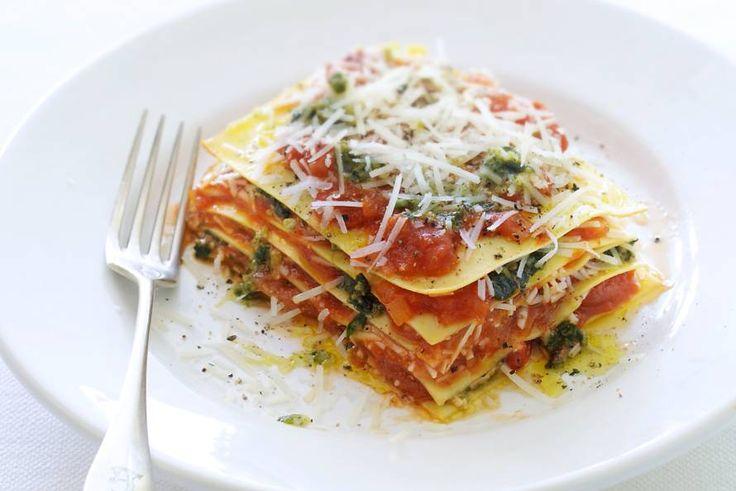 Open lasagne met pesto, pecorino en tomaat - Recept - Allerhande