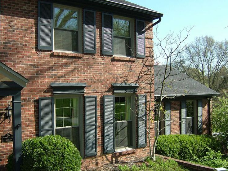 Top Mistakes Made When Choosing Replacement Window Contractors - One of the most important choices you have to make when you are getting windows installed is the contractor you use. There are many options in replacement window contractors in Lexington, KY. Here's a look at some common mistakes that people have made when choosing a contractor and how to avoid them so you can be sure you hire the best.