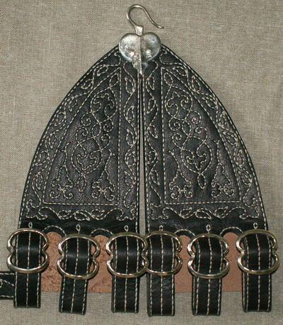 http://www.karlrobinson.co.uk/images/Commisioned%20work/Hangers/Hanger_2.jpg