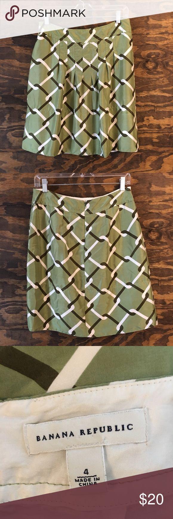 Banana Republic Green Skirt Size 4 Green & White Checkered Skirt Banana Republic Skirts