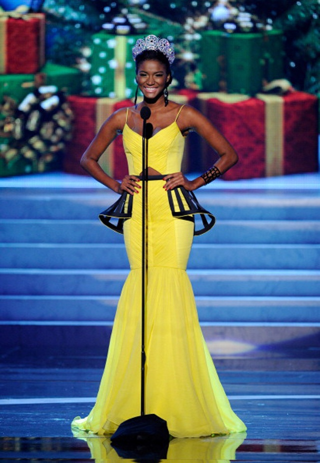 INSPIRATION DE MON STYLE SIRENE POUR HABILLER MISS UNIVERSE 2011     Miss Universe 2011 rocking Korto Momolu (Project Runway)!!!  CIAAFRIQUE ™ | AFRICAN FASHION-BEAUTY-STYLE