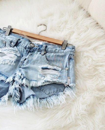 Shorts. Ripped shorts. Pinterest: pearlxoxoxo