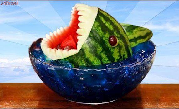 Como fazer a melancia de tubarão