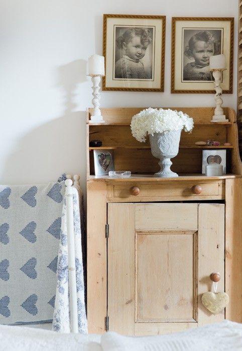 Oltre 25 fantastiche idee su divano shabby chic su for Soggiorno in stile cottage francese