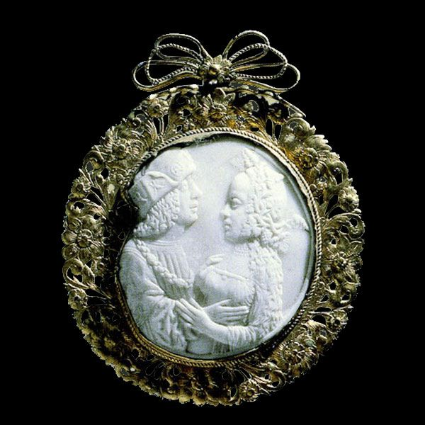 French Cameo                                            End XVth Century                                            Carved shell and gold frame                                            XVIIth Century