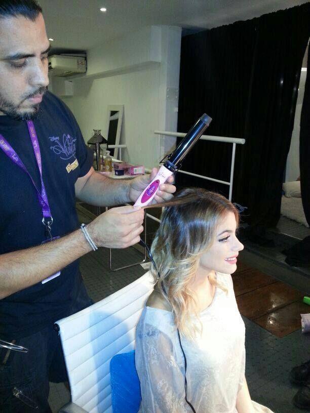 Desde Barcelona preparándonos para la tercer temporada de #Violetta, se viene con todo!!! Via- Martina Stoessel *Facebook