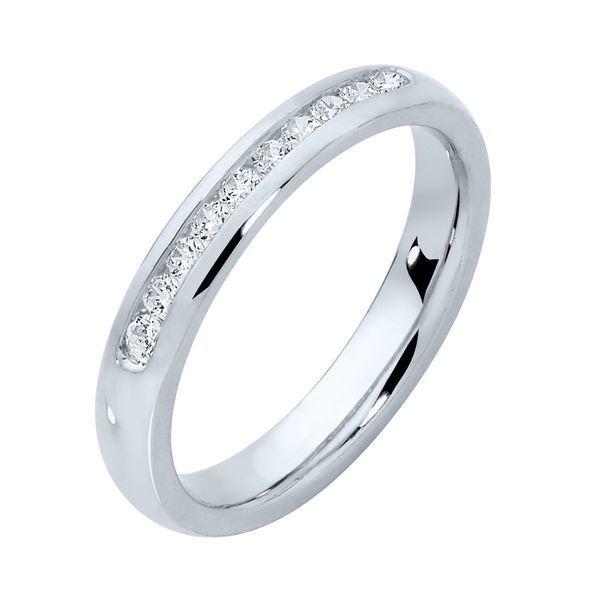 Womens Diamond White Gold Wedding Ring