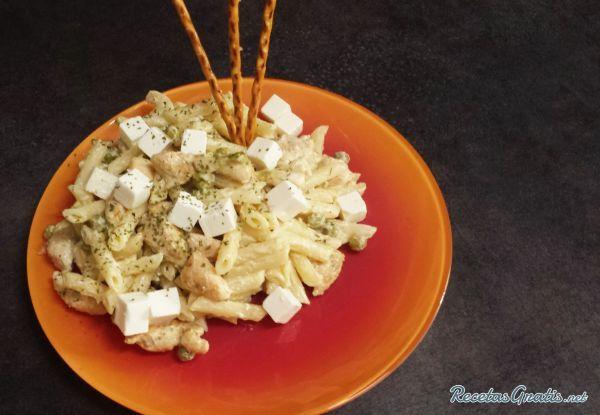 Ensalada de pasta con pollo #RecetasGratis #Ensaladas #RecetasdeCocina #RecetasFáciles #ComidaSana #EnsaladadePasta