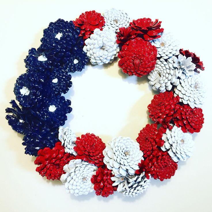 Summer Pinecone Zinnia Wreath in Patriotic Theme