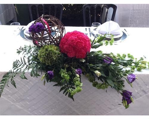 Hermosas flores para la mesa de los novios / arreglo floral para boda