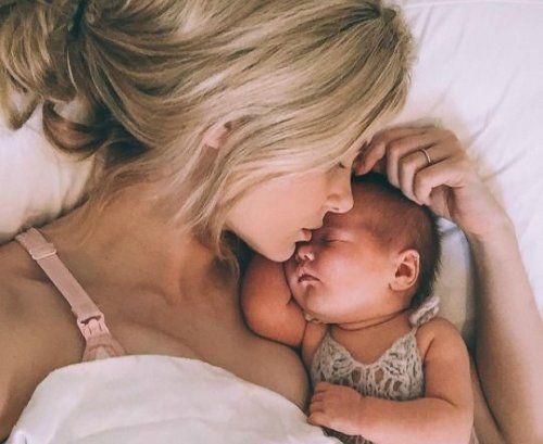 Esta es una historia real sobre una madre soltera, pero a la vez, es también una historia cualquiera.  Habla de una joven universi...