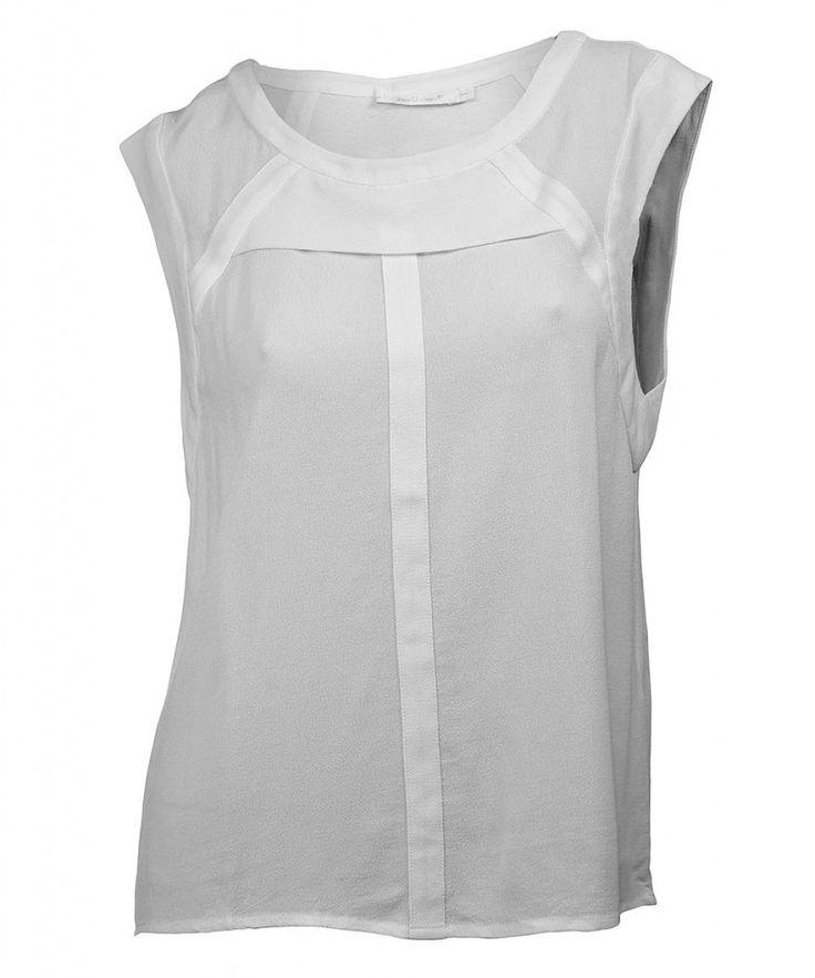 http://www.revolves.gr/shop/seee-u-soon-μπλούζα-λευκό/