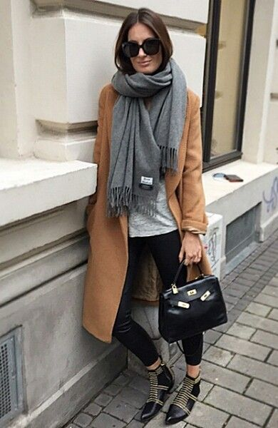 Blogger Style | Lena Terlutter: camel coat x acne canada scarf x grey shirt y black skinny jeans x anine bing studded boots x hérmes kelly bag #falloutfit #fallstyle