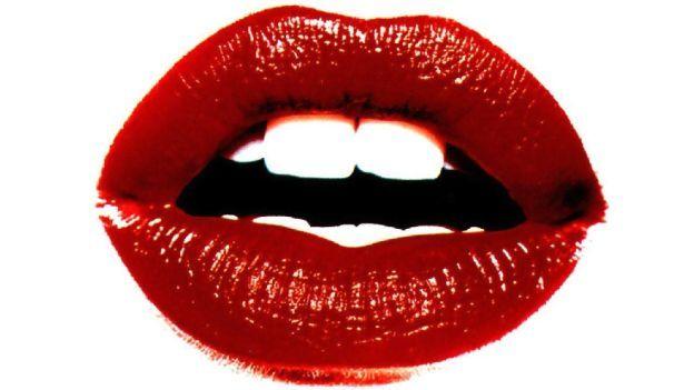 Come applicare il rossetto rosso alla perfezione