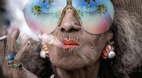 Smoking and sun cause an old skin with wrinkels.    www.ilovehealth.nl