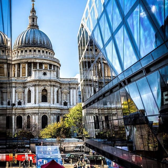 Passing by this incredible building every day on my way to work #stpauls #overwhelmed #beautiful #architecture #london #grateful