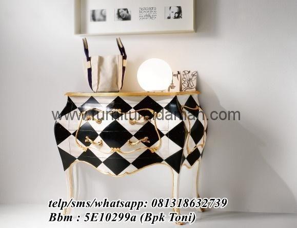 Nakas Mewah Vintage Black White-berikut kami tawarkan salah satu produk nakas terbaru furniture idaman dengan desain yang mewah order call/wa 081318632739.