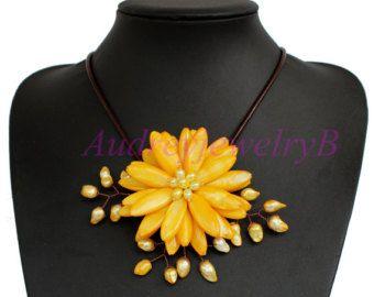 Sorella di collana di perline turchese fiore di AudreyjewelryB