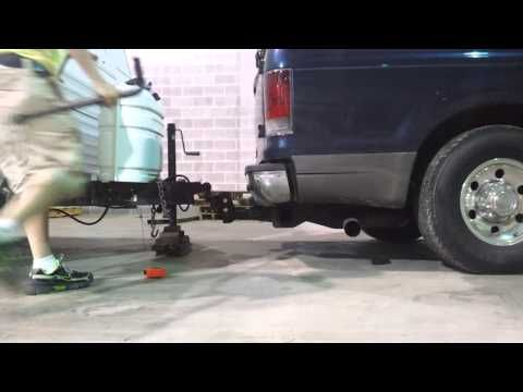 How to use a weight distribution hitch - YouTube