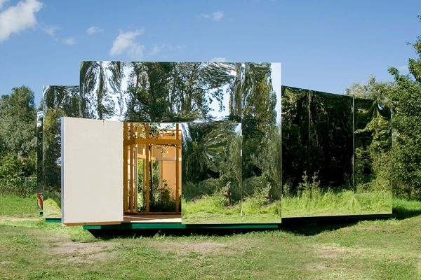 invisible-cloaked house