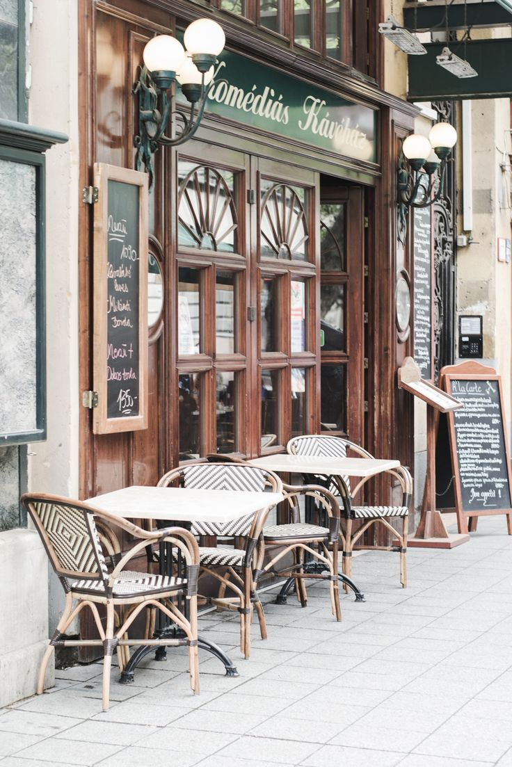 Ruszwurm, the oldest cafe in Budapest, was the most favorite one of Elizabeth 'Sisi', Austrian Empress and Queen of Hungary, who even sent couriers there to take cakes for her breakfast.