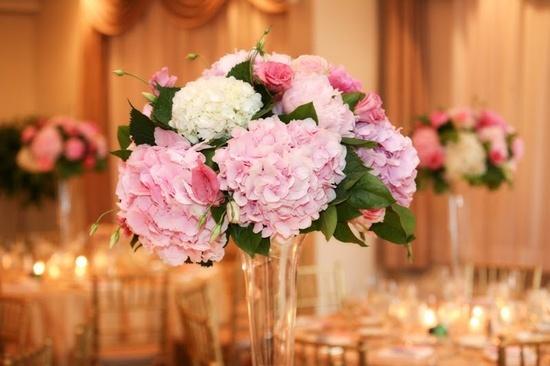 pink hydrangea centerpieces | Wishful Thinking :) / pink hydrangea centerpiece