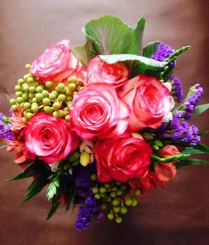 Wedding decoration is not complete without flowers , it brings more color in you party and  the effect a new couple's most memorable day can be enhanced. For more information visit- http://www.articlesbase.com/shopping-articles/eight-unique-ideas-to-create-colorful-arrangements-using-wedding-flowers-6932545.html