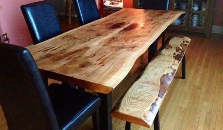 mesa y banco de madera natural
