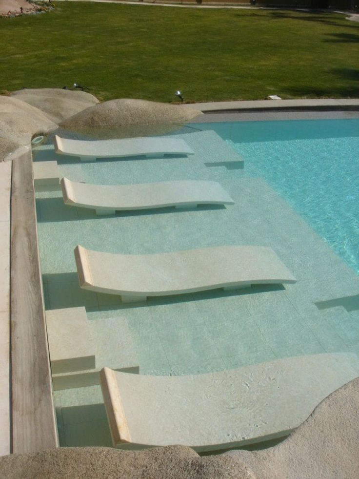 Bains De Soleil Immerges En Cedre Gray Bain De Soleil Maison De Vacances Decoration Exterieur