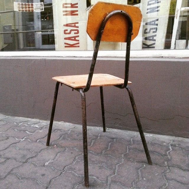 Ahhhh this industrial chair #vintage #interiors #industrial #design #loft #retro #vintageshop #sklepvintage #poznan #chair #krzesło #stuhl #old #chaise #silla #stoel #stol #sedia #old #industrialdesign #vintagestyle #brutfurniture #junkstyledesign #brocante