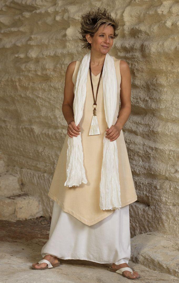 Tunic 'Losange': salmon/beige mixed linen worn aver a white Sarouel/skirt. -:- AMALTHEE -:- n° 3328