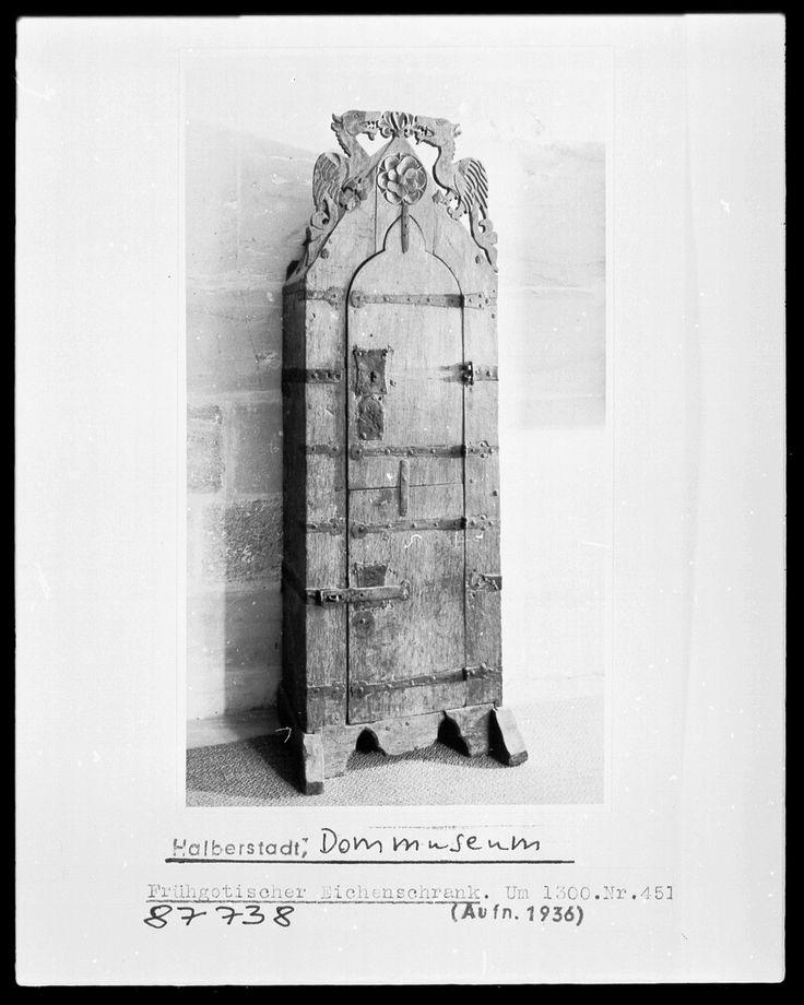 Schrank | mitteldeutsch? | Bildindex der Kunst & Architektur - Bildindex der Kunst & Architektur -