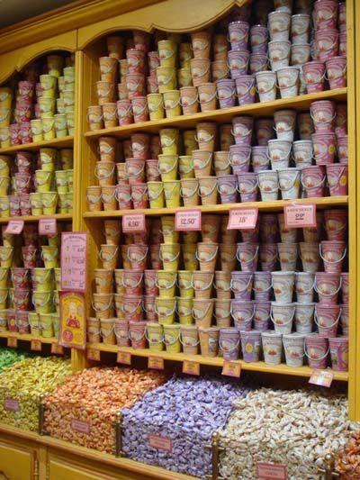 Pézenas boutique La Cure Gourmande, Pézenas Quartier rue de la Foire! For more…
