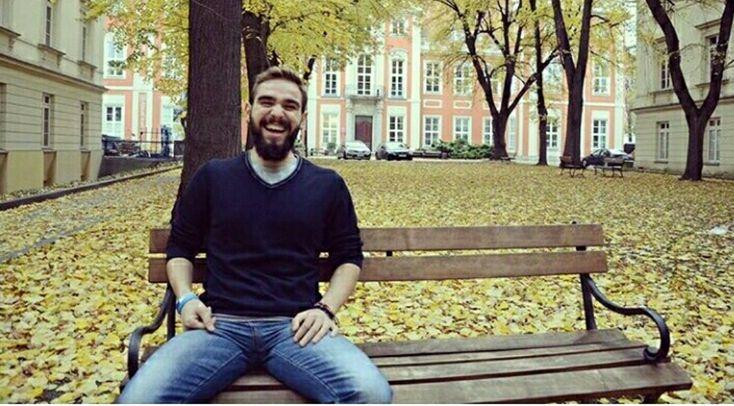 Mornota yazarlarından: Zafercan Çapar | Yazar : Mornota Röportaj        Zafercan şuan Mersin Üniversitesi Gazetecilik Bölümü son sınıf öğrencisidir. Yerel gazeteler ile kendi ortak çalışmaları bir gazetede haber/düşünce yazısı yazmaktadır. Bir yıl önce ortak arkadaşı ile adım attığı Giyotin Fanzin projesine devam etmektedir. Farklı şehirlerden farklı yazarlar... #Röportaj  http://www.mornota.com/mornota-yazarlarindan-zafercan-capar/