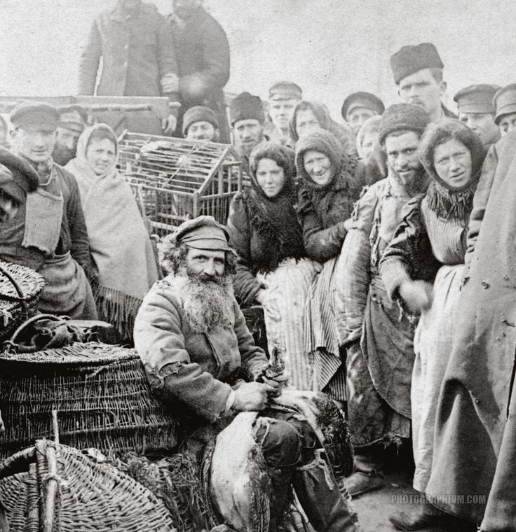 Marketplace in Warsaw, Poland ~ photo (probably) Benjamin West Kilburn, 1897,