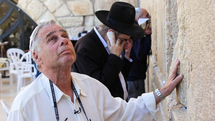 "Derek Stoffel   When Yitzhak Yifat, as a young man 50 years ago, fought through the narrow streets of Jerusalem's Old City, he felt ""an overwhelming sense of excitement"" when he reached the Western Wall. The moment was captured in a now-famous photograph showing Yifat and two... - #Day, #Israels, #News, #Peo, #States, #War, #Years"