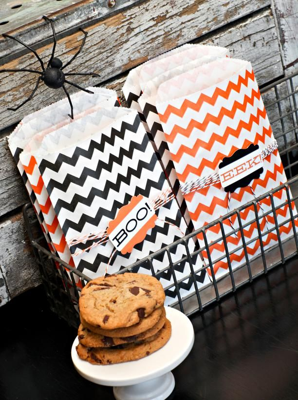 21 halloween party favor and treat bag ideas for Halloween party favor ideas