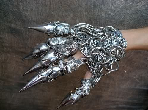Chain Mail Gauntlet with Claws WOW