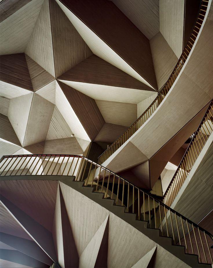 33 best 39 melting men 39 by nele azevedo 21st century art for Architecture origami