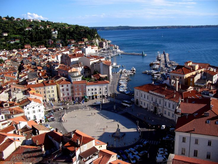 Medieval town of #Piran always makes you feel like an angel :)