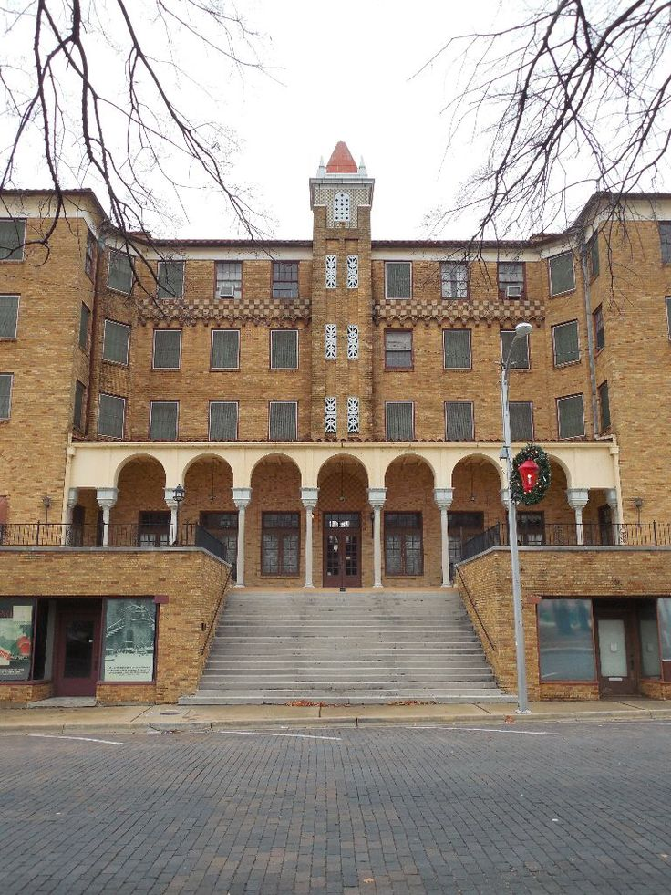 Lane Hotel Rogers Arkansas Locked And Vacant Since 2003 The Is A Significant