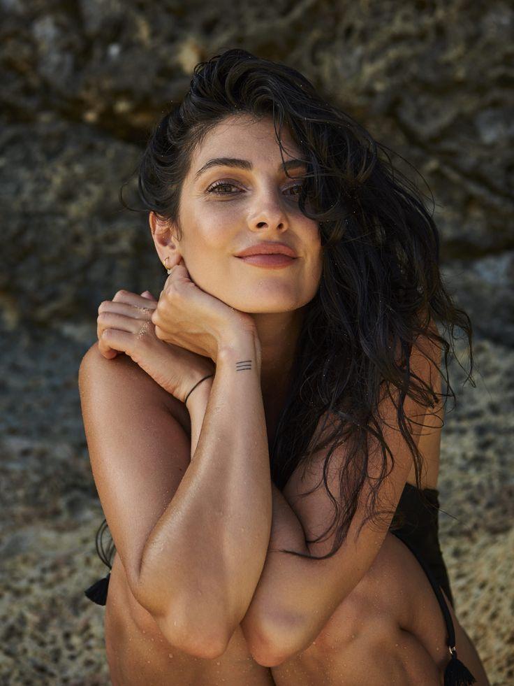 Anna Nooshin shooting her swimwear collection for Hunkemöller in Aruba <3 #love #AnnaforHKM #AnnaNooshin #swimwear #inspiration