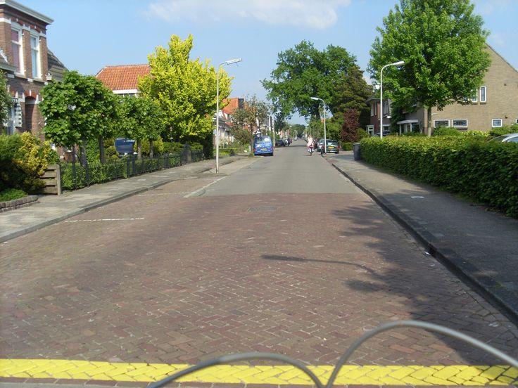 Hoogeveen. De Bentinckslaan vanaf de Hoofdstraat.