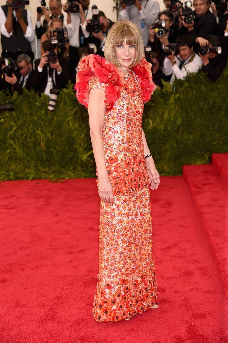 Anna Wintour in Chanel   - HarpersBAZAAR.com