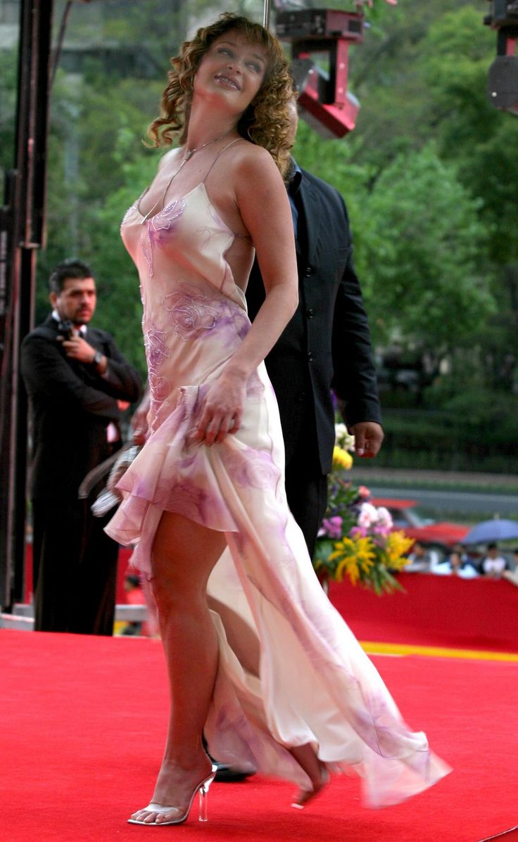 Joana Benedek is a Romanian-born Mexican actress of Hungarian descent. She left her native land in search of work. She first moved to Venezuela before moving to Mexico